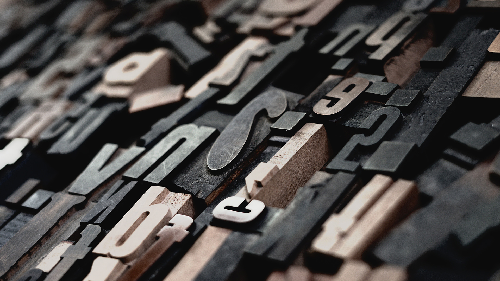 Stampi di numeri e lettere