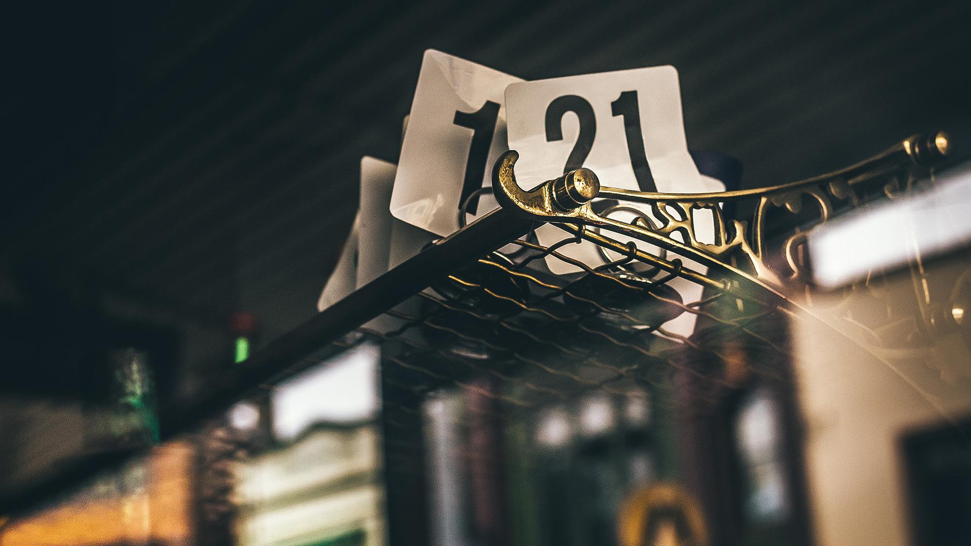Foglietti di carta con il numero 21